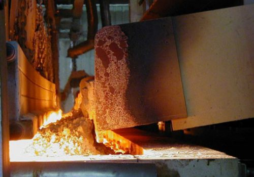 Bottle-glass-making-materials-being-mixed